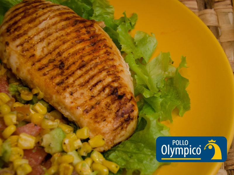 Pollo con limón y cilantro en salsa de maíz